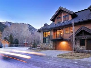 Hourglass Townhome #9 - West Ketchum - Elegant Townhome close to River Run - Ketchum vacation rentals