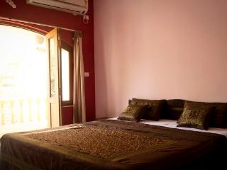 LUXURIOUS FURNISHED AC 3 BHK VILLA IN CANDOLIM GOA - Candolim vacation rentals