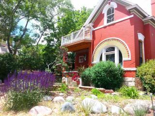 Charming Victorian Overlooking Downtown CoSprings - Colorado Springs vacation rentals