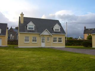 Cosy cottage near sea beach and mountains - Waterville vacation rentals