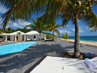St. Martin Villa 7 Located In A Serene Beach Front Atmosphere, This Villa Is The Perfect Paradise For A Dream Vacation. - Baie Rouge vacation rentals