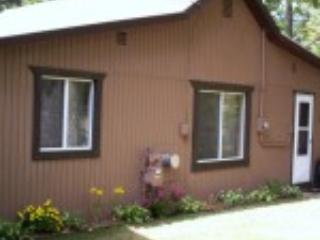 Wayside Inn Cottage @ Lake Margrethe - Northeast Michigan vacation rentals