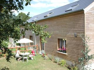 L'Etable - Beautiful Two Bedroom Barn Conversion - Basse-Normandie vacation rentals