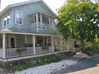 Spacious Oak Bluffs In-Town Rental! (-Spacious-Oak-Bluffs-In-Town-Rental!-OB511) - Oak Bluffs vacation rentals