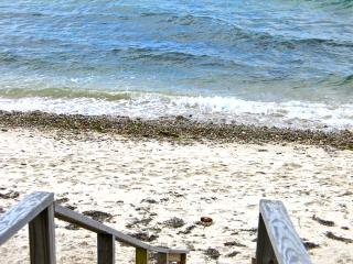 Waterfront Beach Cottage! (Waterfront-Beach-Cottage!-WT125) - West Tisbury vacation rentals