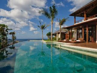 Opulent ocean view haven near beach Villa Chintamani- ensuite & cliffside pools - Uluwatu vacation rentals