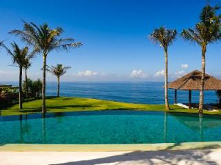 Villa Santai Sorga with panoramic beachfront views, 75 hectares of tropical gardens & infinity  pool - Uluwatu vacation rentals