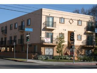 Lovely 2BR/2BA Towhhome(#6) - A Hop to Hollywood! - Image 1 - Los Angeles - rentals