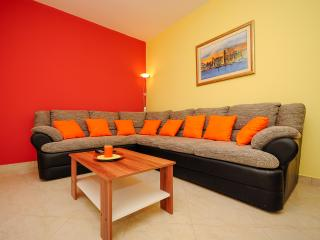 Apartment Marinko - 43901-A1 - Vinisce vacation rentals