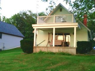 Restful Retreat - Oscoda vacation rentals