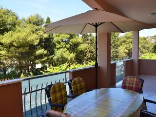 Apartments Magdalena - 44041-A1 - Okrug Gornji vacation rentals