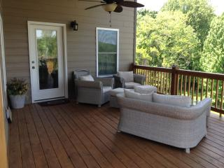 Bedford, VA - Peaksview Cottage - Mountain Views - Central Virginia vacation rentals