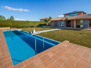 Torremirona Golf Resort ~ RA20313 - Navata vacation rentals