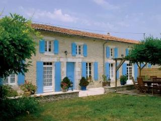 La Cagouille ~ RA25489 - Saint Jean d'Angely vacation rentals