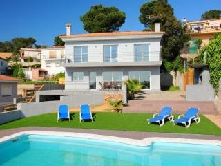 Chula ~ RA39384 - Lloret de Mar vacation rentals