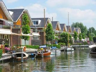 De Meerparel ~ RA37005 - Uitgeest vacation rentals
