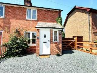 Nutmeg Cottage ~ RA29911 - Tenterden vacation rentals