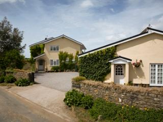 Y Bwthyn Bach Holiday Cottage near Cardiff - Vale of Glamorgan vacation rentals