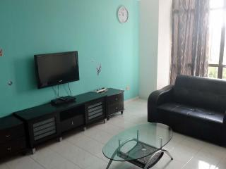 Straits Court Essential 3 Bedrooms - Melaka State vacation rentals