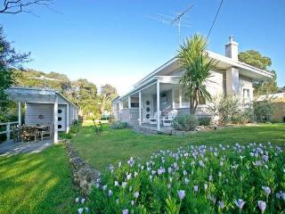 Koonya Boathouse - Close to beaches & Shops - Blairgowrie vacation rentals