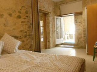 Old stone walled Gite near Narbonne beaches - Bize-Minervois vacation rentals