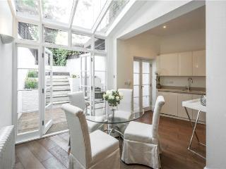 Cromwell Crescent (IVY LETTINGS). Fully managed, free wi-fi, discounts available - London vacation rentals