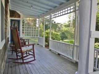 Olde Sea Captain's House. 9/10th to Beach - Dennis Port vacation rentals