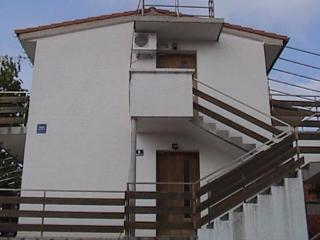 Welcoming 3 bedroom apartment AS for 6 persons in Novalja - Island Pag vacation rentals