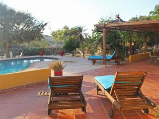 Villa Tamarinde Aruba- Peaceful countryside villa - sleeps 8 *Flash Sale* - Palm Beach vacation rentals