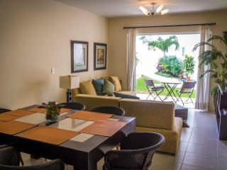 Nice Ground floor 2BR apartment, close to the beach T3 - Playa del Carmen vacation rentals