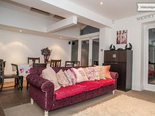 5 Bed House on Linden Avenue, Queen's Park - London vacation rentals
