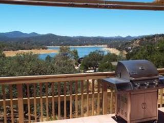 Hidden Gem-Lake View Home - Lake Nacimiento vacation rentals