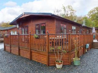 BRIGHTWATER LODGE, WiFi, en-suite, open plan lving area, detached lodge near Troutbeck Bridge, Ref. 27018 - Troutbeck Bridge vacation rentals