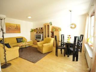 Vacation Apartment in Munich - 646 sqft, bright, comfortable (# 4689) - Munich vacation rentals