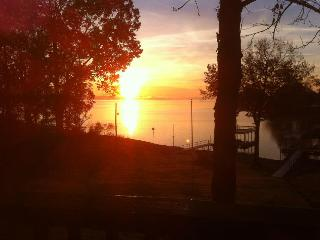Beautiful Waterfront Rental - Gilbertsville vacation rentals