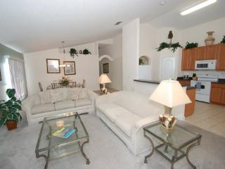 4 Bedroom 3 Bath South Facing Private Pool/Spa Home near Disney. - Orlando vacation rentals