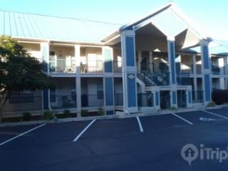 Tablerock Lake 2 Bedroom, ground floor condo just south of Branson. - Hollister vacation rentals