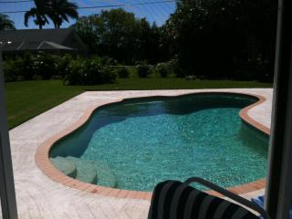3BR/2BATH HOME ☆ INCLUDES NEARBY BOATSLIP - Stuart vacation rentals