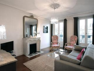 *Gorgeous 2 bedroom apartment by Rue Montorgueil* - 2nd Arrondissement Bourse vacation rentals