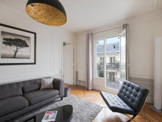Champs Elysees Chic by AvenueStory - Paris vacation rentals