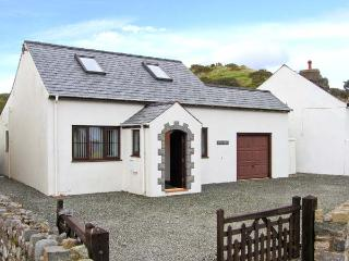PEN Y BONT family-friendly, close to beach, village centre in Aberdaron Ref 30659 - Gwynedd- Snowdonia vacation rentals