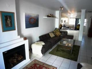 Heart of Cape Town, 2 bed, 2 bath apartment - Cape Town vacation rentals