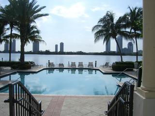Bay view pool - Waterfront Luxury 3 Bedroom Aventura  Condo - Aventura - rentals