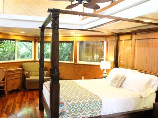 Unique Quiet 1BR Cottage in Lush Gardens; Lahaina - Kihei vacation rentals