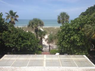PASS-A-GRILLE ST. PETE BEACH FL 2ND STORY APT WIFI - Stateline vacation rentals
