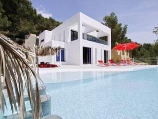 Holiday house for 10 persons, with swimming pool , in Santa Eulalia del Río - Cala Llonga vacation rentals