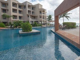 One bedroom ocean front complex! - Playa del Carmen vacation rentals
