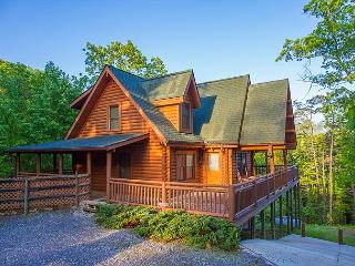 Luxurious 4BR/4BA Cabin in Prestigious Wears Valley on Private 1.3 Acres - Wears Valley vacation rentals