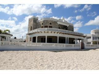 Casa del Malecon, beachfront Casona in the heart of Progreso! with pool - Progreso vacation rentals