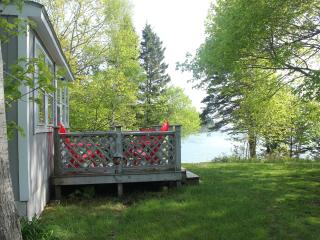 Private Oceanfront Cottage *Wi-Fi*~Cable~*Beach~* - DownEast and Acadia Maine vacation rentals